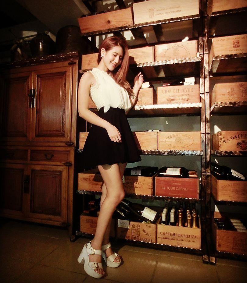 Winegirl_Weinlager